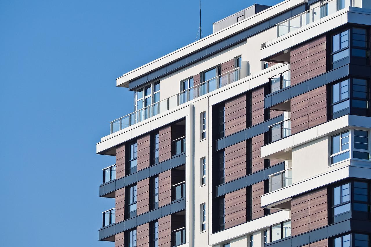 Revestimiento de fachadas con tarima de exterior composite