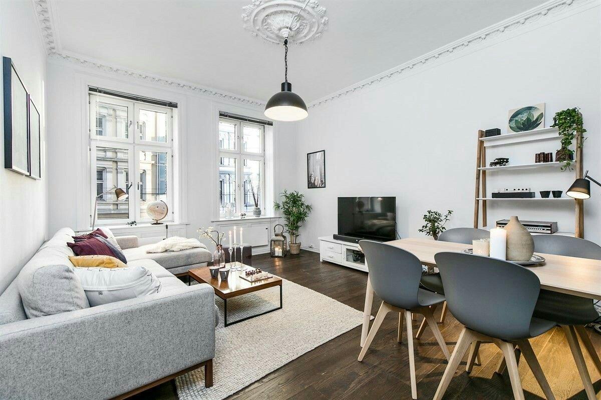 Combinar parquet y muebles con estilo: ¿qué colores elegir?